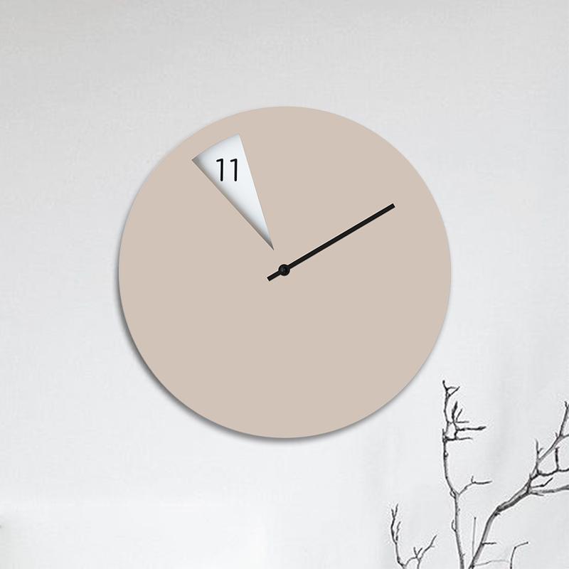 意大利原产SABRINA FOSSI DESIGN客厅扇形小窗挂钟钟表 杏色