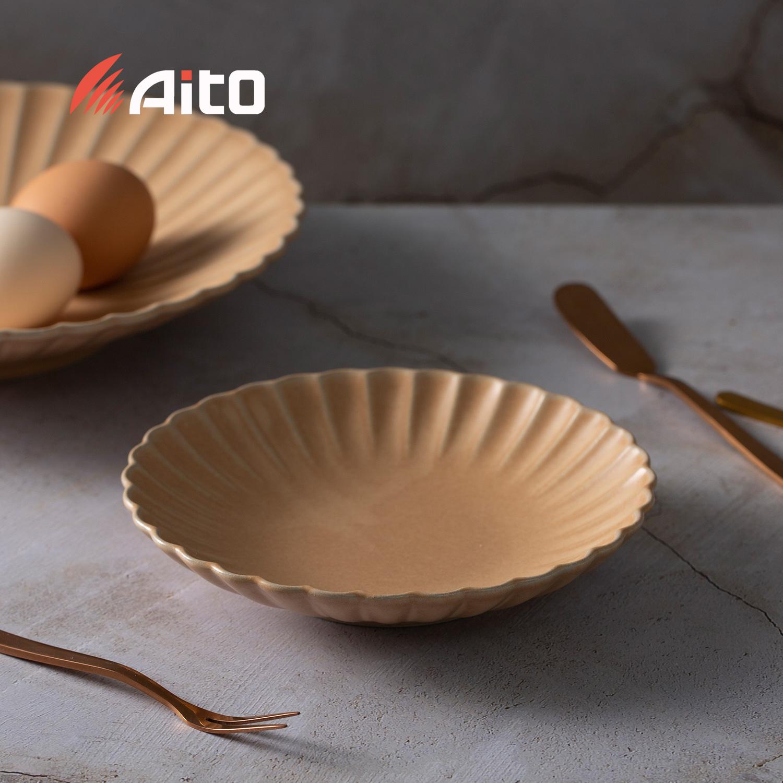 日本原产AITO HANA花之瓣餐盘 花皿盘M 麦茶色