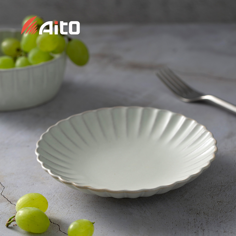 日本原产AITO HANA花之瓣餐盘 花皿盘M 月白色