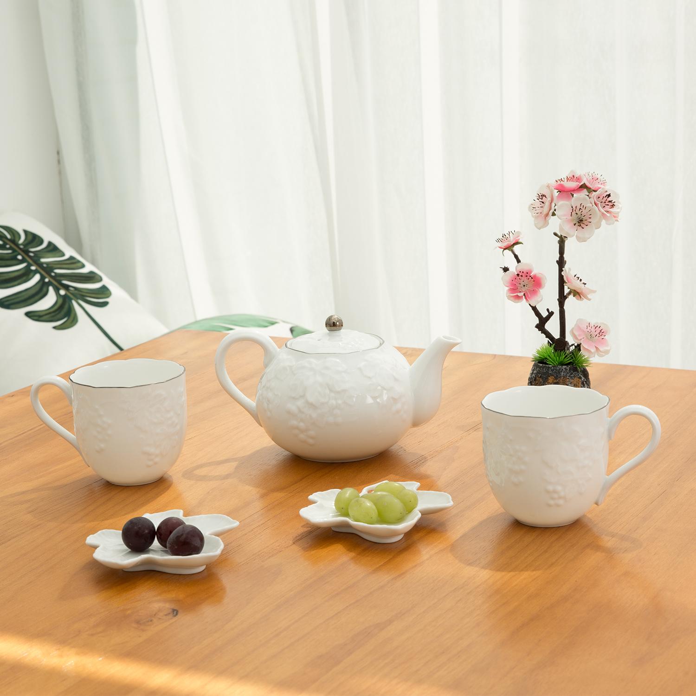 日本原产AITO桂由美浮雕美浓烧陶瓷茶壶茶杯葡萄刻花5件 白色